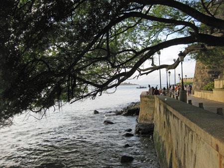Paseo de la Princesa, Old San Juan